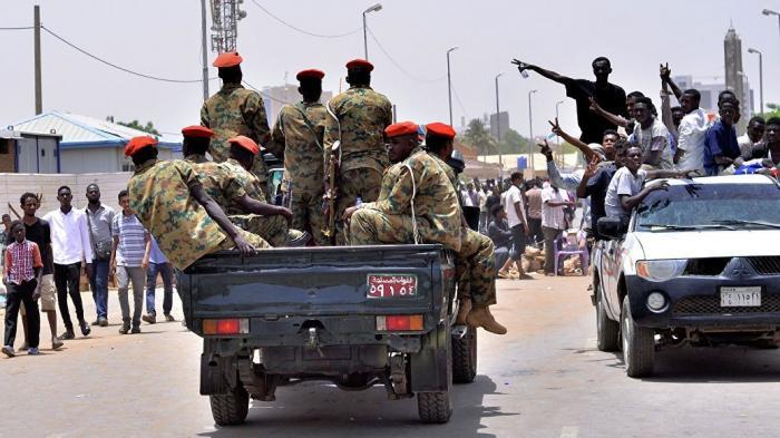 Министр обороны Судана стал главой военной хунты