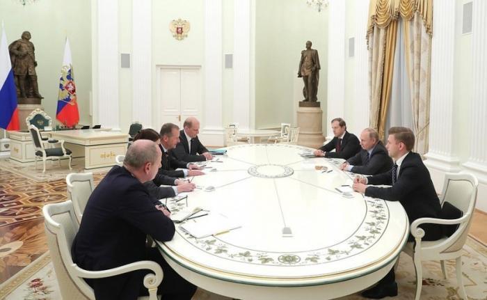 Владимир Путин принял в Кремле главу автомобильного концерна «Фольксваген» Герберта Дисса