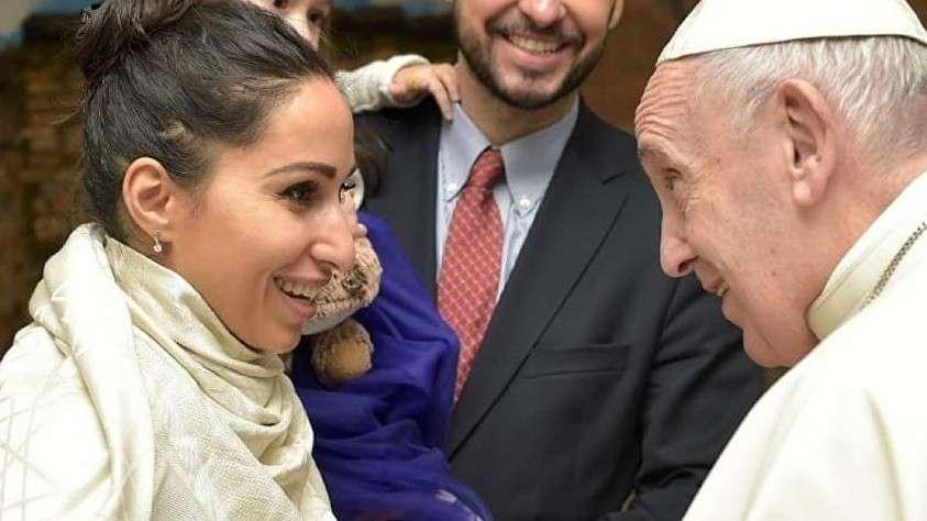 Папа римский наградил звезду мужских журналов 18+: «Не грех, а добродетель»