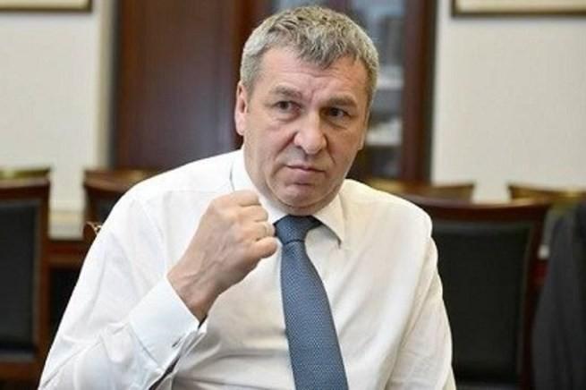 Закон Албина. Об оскорблении россиян представителями власти