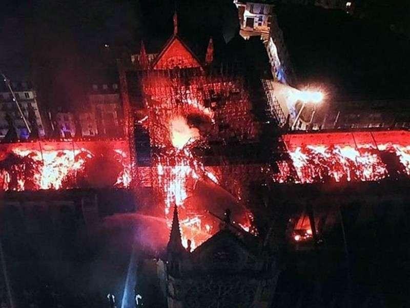 Пожар в Нотр-Дам: кто виноват и что делать?