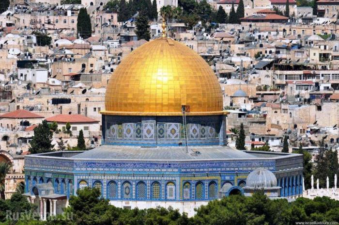 Пока полыхал Нотр-Дам в Ерусалиме подожгли мечеть Аль-Акса