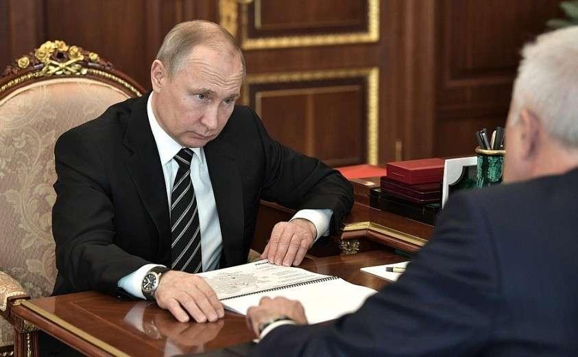 На встрече с президентом компании «ЛУКОЙЛ» Вагитом Алекперовым.