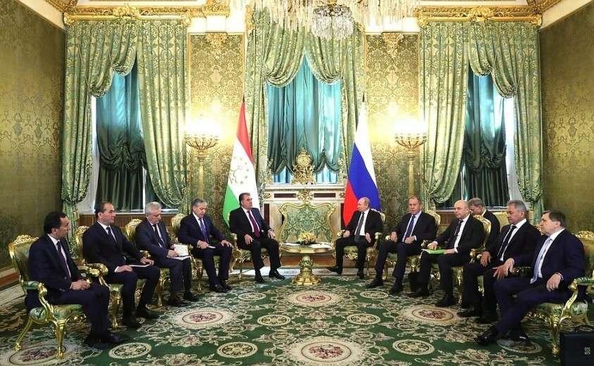 Беседа с Президентом Таджикистана Эмомали Рахмоном.