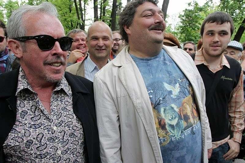 Вся королевская конница и вся королевская рать дружно спасают либерала Дмитрия Быкова
