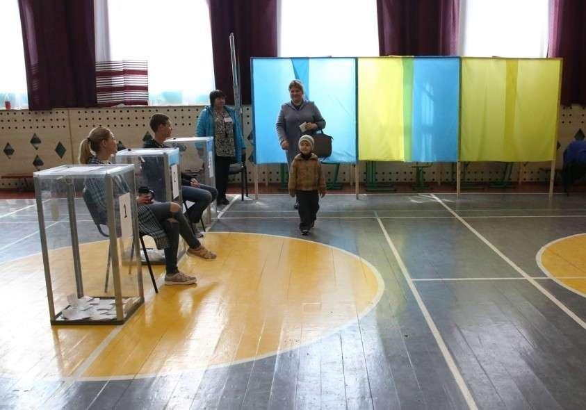 На Украине завершился второй тур выборов, появились первые результаты экзитполов