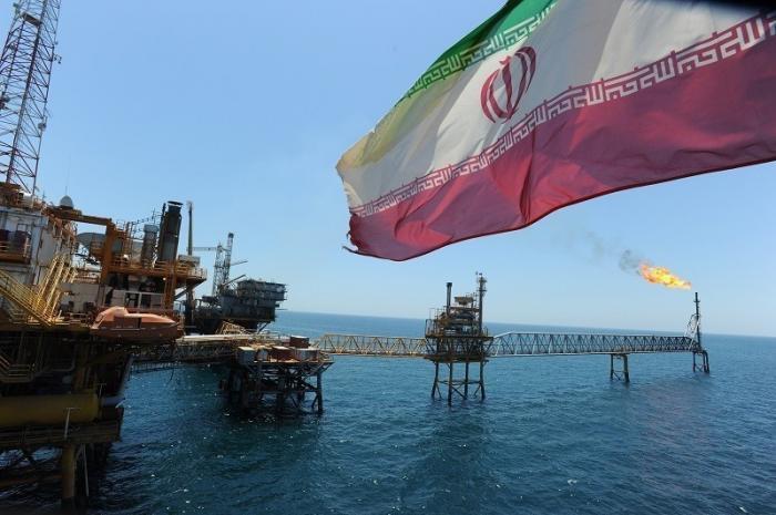 США запретят восьми странам покупать иранскую нефть