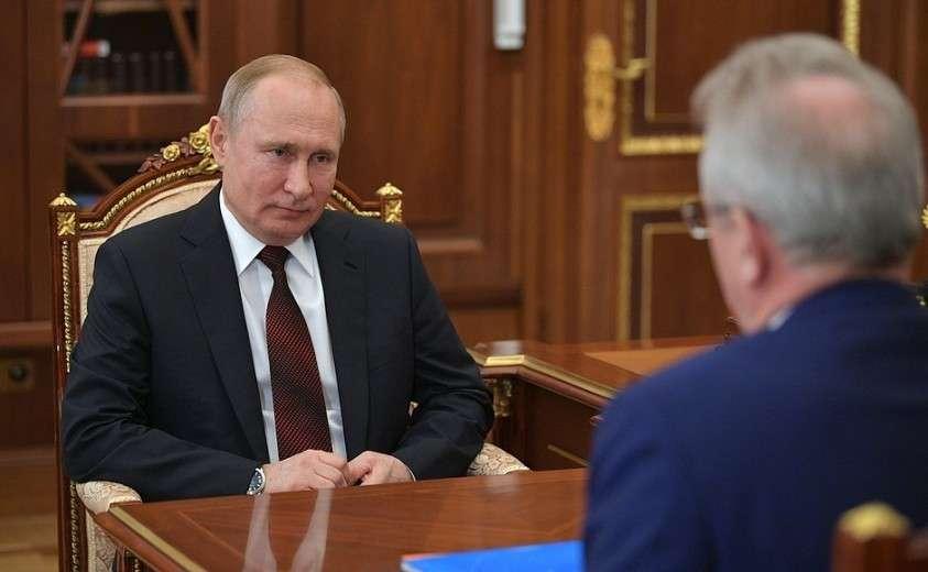 На рабочей встрече с губернатором Пензенской области Иваном Белозерцевым.