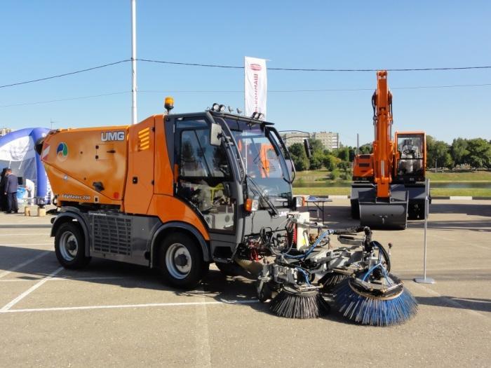 Тверской завод техники UMG представил новую самоходную коммунальную машину CityMaster 200