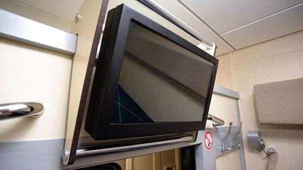 Телевизор в новом вагоне купе для РЖД
