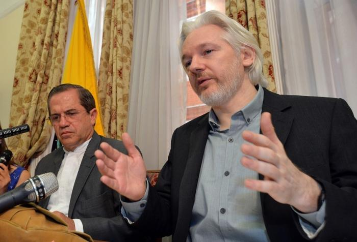 Эквадор: русских хакеров, связанных с Ассанжем, не существует