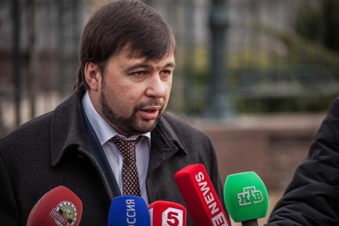 Глава ДНР Денис Пушилин поручил упростить пересечение границы с Россией, для получения гражданства