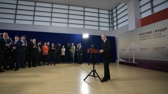 «Россия не могла оставить в беде людей» – Владимир Путин о гражданстве РФ для жителей Донбасса