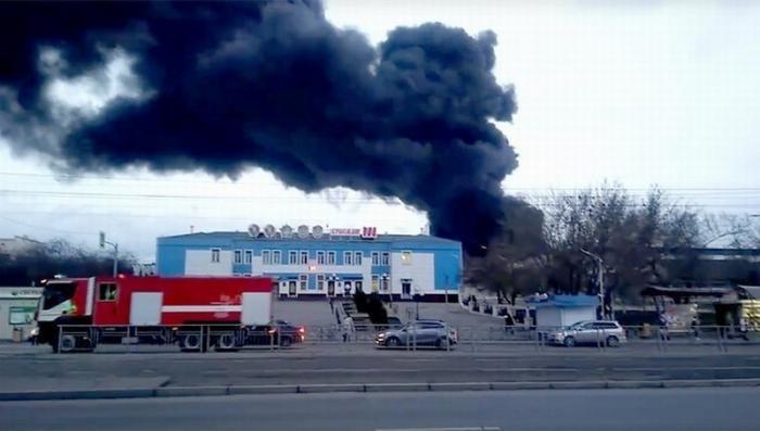 В Красноярске горит завод ракетно-космической техники «Красмаш», слышны взрывы