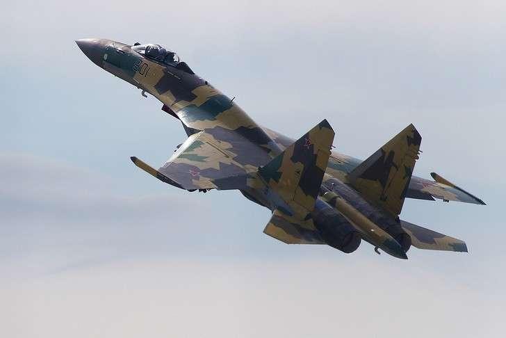 Sukhoi Su-35 on MAKS-2011.jpg