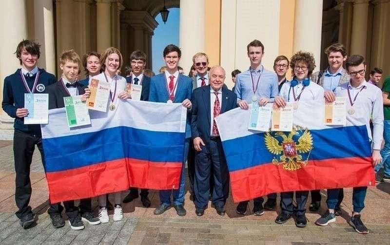Российские школьники одержали победу в международной олимпиаде по химии