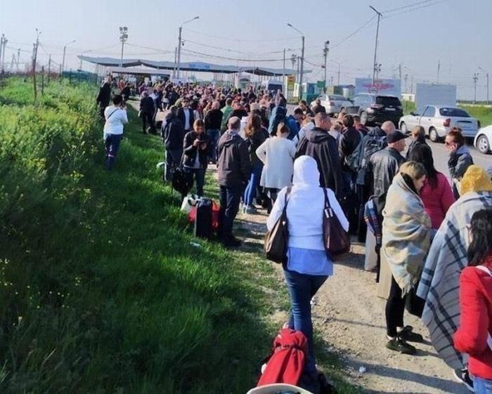 На майские праздники украинцы массово рванули в российский Крым