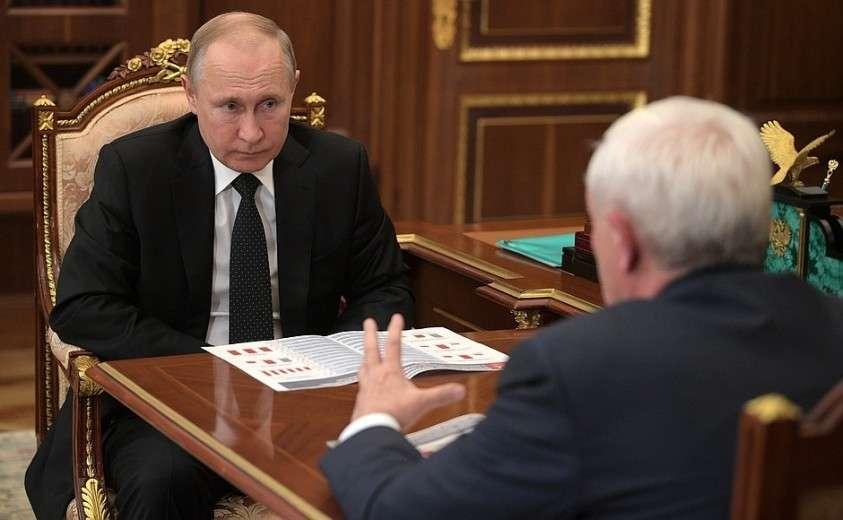 С главой «Объединённой судостроительной корпорации» Георгием Полтавченко.