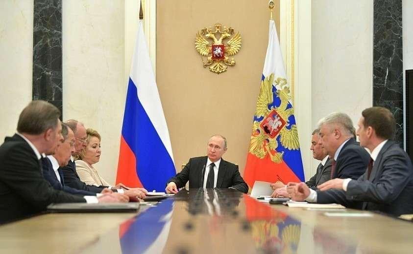 Владимир Путин провёл совещание с постоянными членами Совета Безопасности 30.04.2019