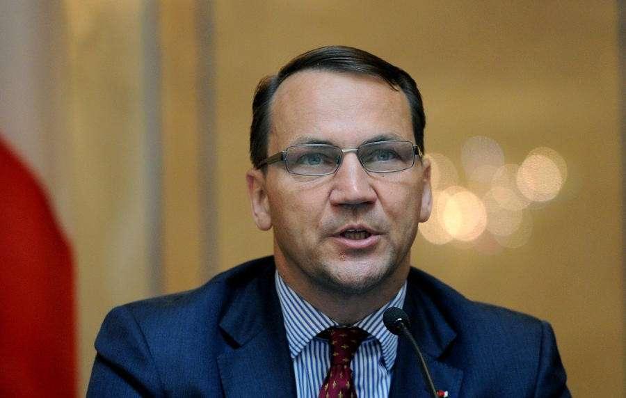 Радослав Сикорский объяснил своё заявление о разделе Украины проблемами с памятью