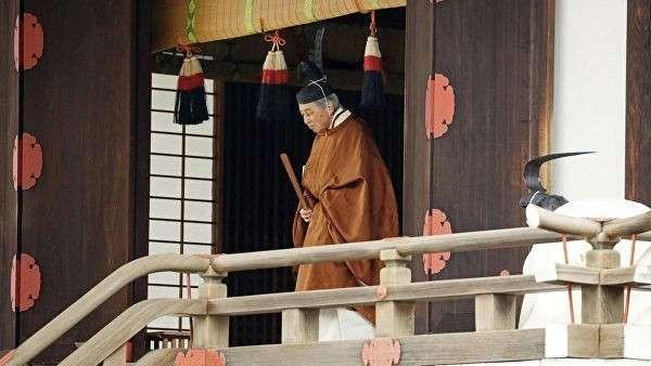Император Японии Акихито в Императорском дворце в Токио. 30 апреля 2019