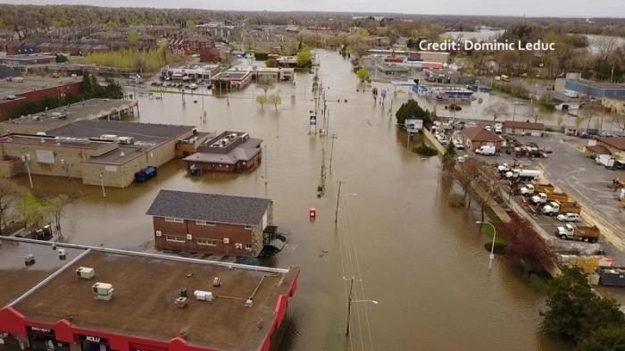США: река Миссисипи прорвала дамбу в штате Айова