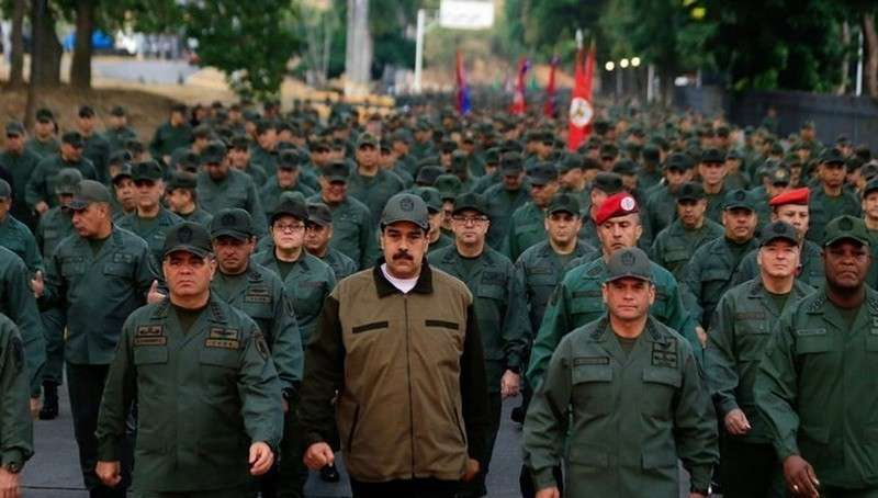 Николас Мадуро прошёл маршем во главе колонны военных по Каракасу