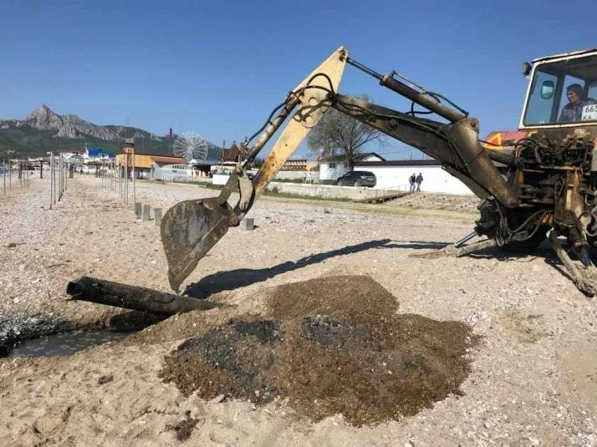 Власти Коктебеля начали войну со сливом канализации в море