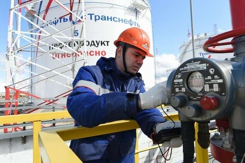 Россия временно сократит экспорт нефти в ЕС, это скажется на ценах