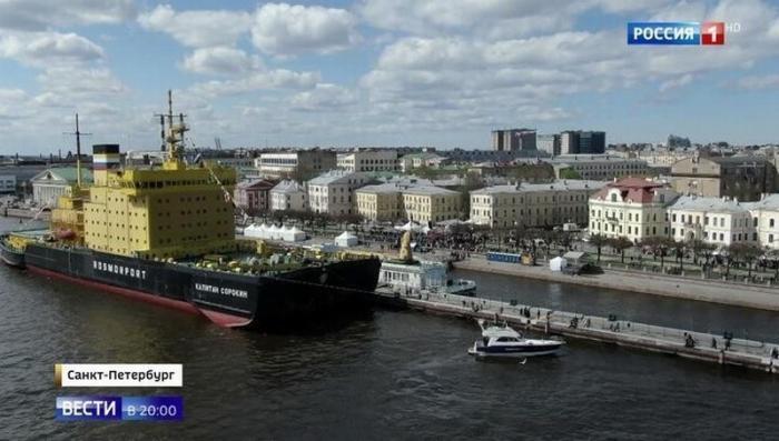 Такого нигде больше нет: фестиваль ледоколов в Петербурге