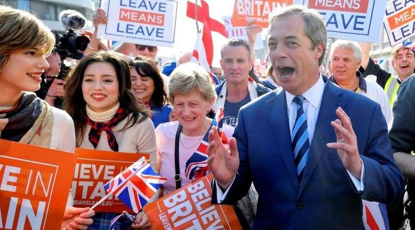 Почему две ведущие партии Британии рекордно проиграли выборы в местные органы власти