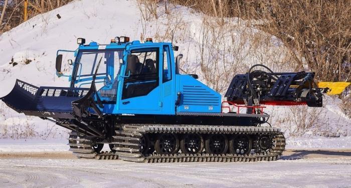 Челябинский завод дорожных машин разработал снегоуплотнительную машину