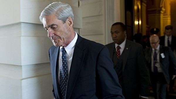 Спецпрокурор по российскому расследованию Роберт Мюллер после встречи с членами судебного комитета Сената США в Вашингтоне. 21 июня 2017