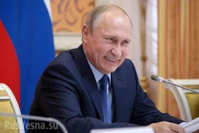 Владимир Путин поздравил с Днём Победы всех украинцев, кроме Порошенко и Зеленского