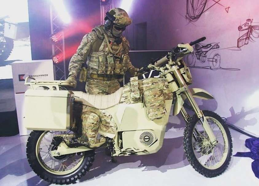 Военная автоинспекция Москвы получила первые электрические мотоциклы «ИЖ Пульсар»