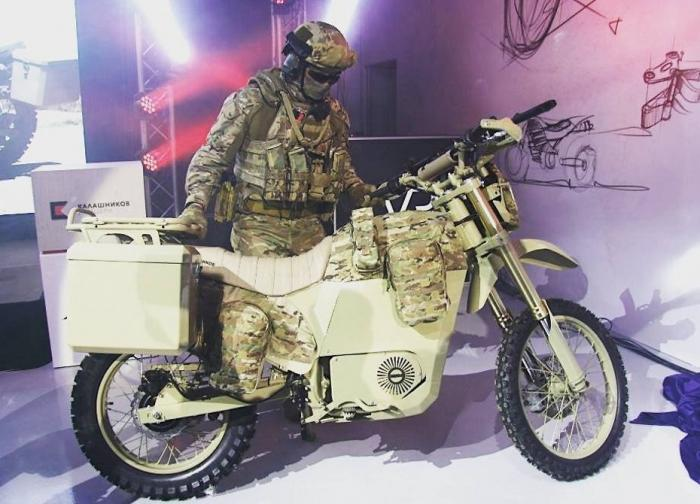 Военная автоинспекция Москвы получила электрические мотоциклы «ИЖПульсар» производства «Калашников»