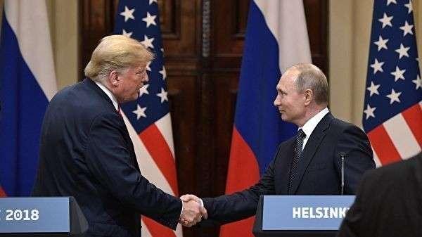Президент РФ Владимир Путин и президент США Дональд Трамп на пресс-конференции по итогам встречи в Хельсинки. 16 июля 2018