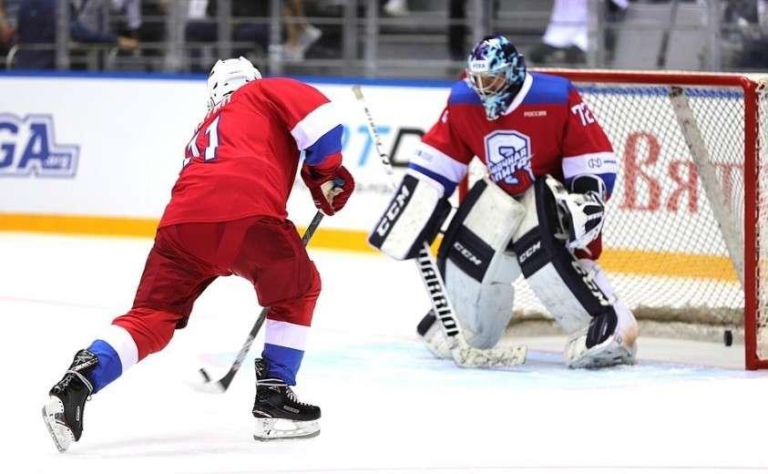 Владимир Путин принял участие в гала-матче Ночной хоккейной лиги в ледовом дворце «Большой» в Сочи