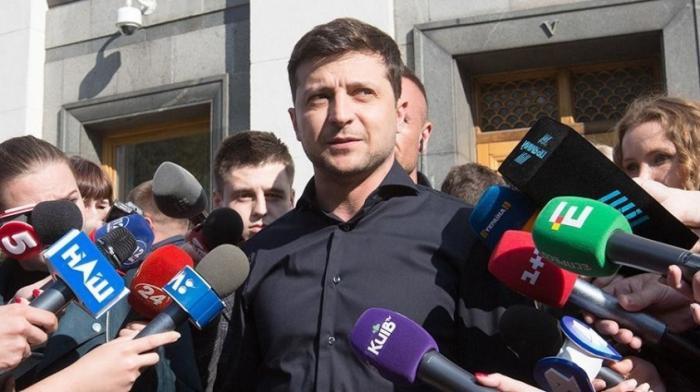 Зеленский подготовил указ о роспуске Рады и потребовал провести инаугурацию 19 мая