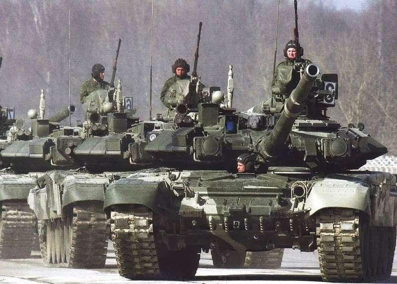 Россия накапливает наступательное вооружение на границе с Украиной