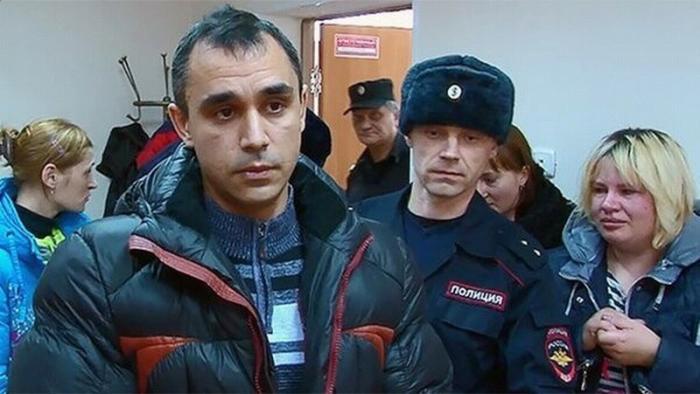 Как в России «опускают» настоящих мужчин, превращая их в трусов и уголовников