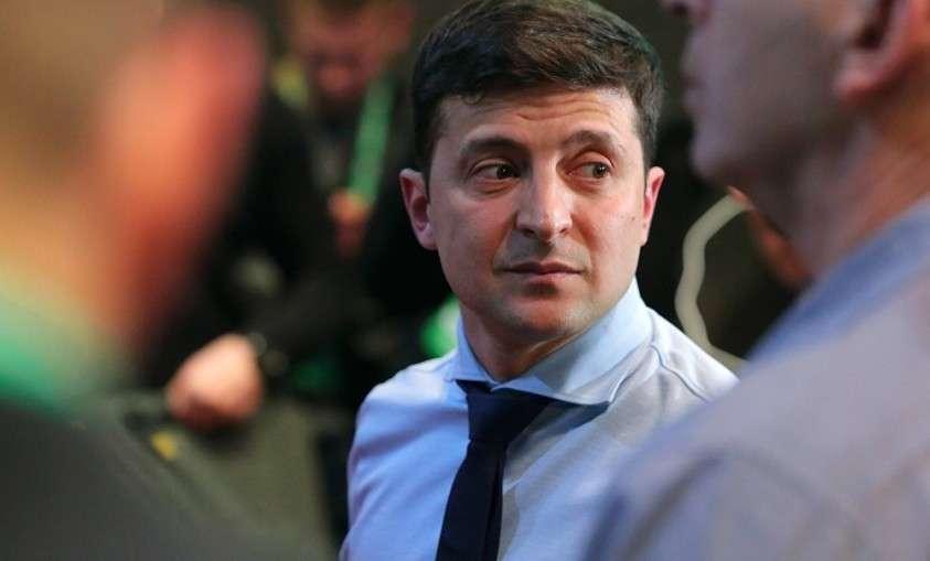 Рада собирается до осени блокировать работу нового президента Украины Зеленского Зеленского