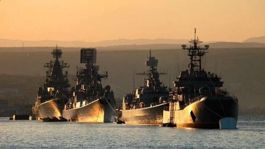 Черноморский флот России отмечает 13 мая 236-летие со дня основания