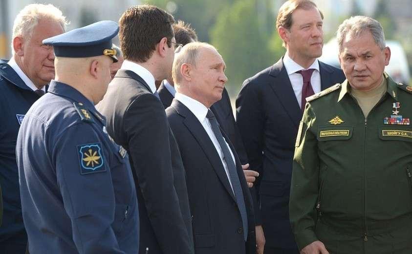 Владимир Путин посетил Казанский авиационный завод имени С.П.Горбунова