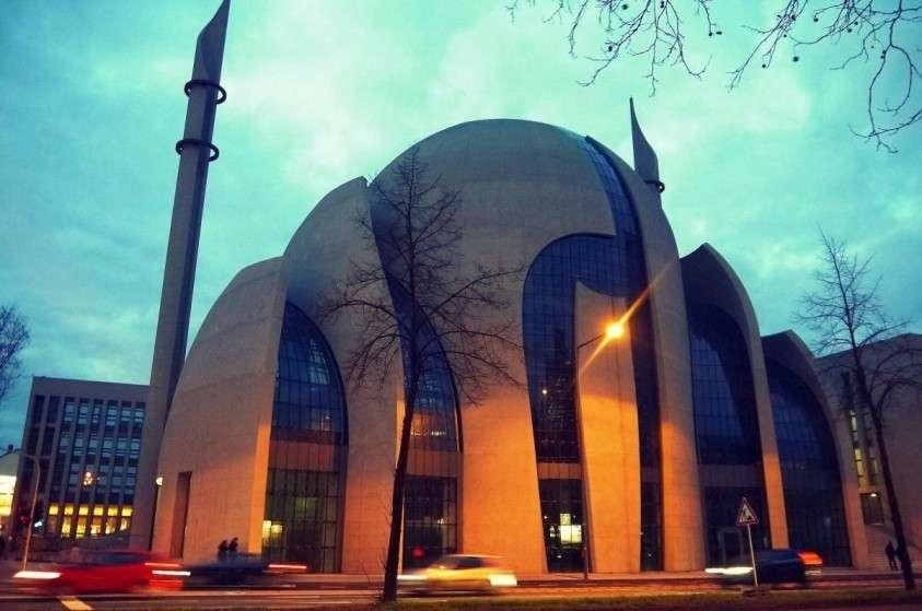 Немцев заставят платить за исламизацию Германии