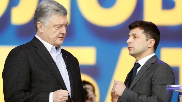 Как Порошенко и Зеленский продолжают борьбу после президентских выборов