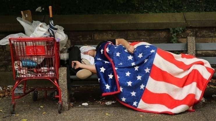 Две третьих молодых американцев едва сводят концы с концами