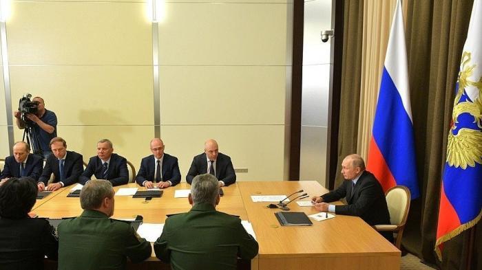 Владимир Путин провёл совещание с руководством Министерства обороны и предприятий ОПК 17.05.2019