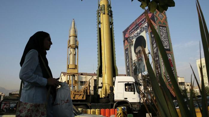 США готовятся посылать на Иран «500 ракет в день» и рекламируют российские комплексы ПВО