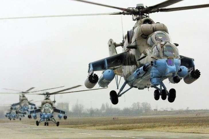 Четыре ударных Ми-24П поступили в бригаду армейской авиации ЦВО